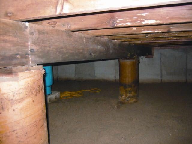 flooded wet basement in de pere